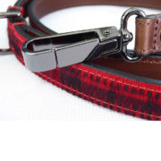The Alice Foxx Mackintosh dog lead - close-up-of-dog-clip